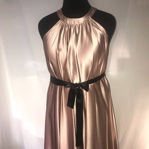 Dresses & Skirts - Lovely A-Line Dusty Pink Dress